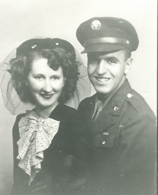 Dad mom wedding photo